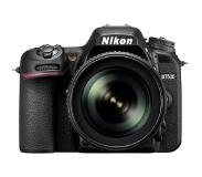Nikon D7500 + AF-S DX NIKKOR 18-105 VR Kit d'appareil-photo SLR 20.9MP CMOS 5568 x 3712pixels Noir